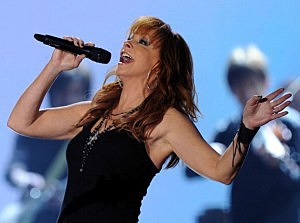 Reba at American Country Awards 2010 - Show