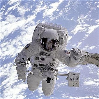 astronaut untethered space walk - photo #3