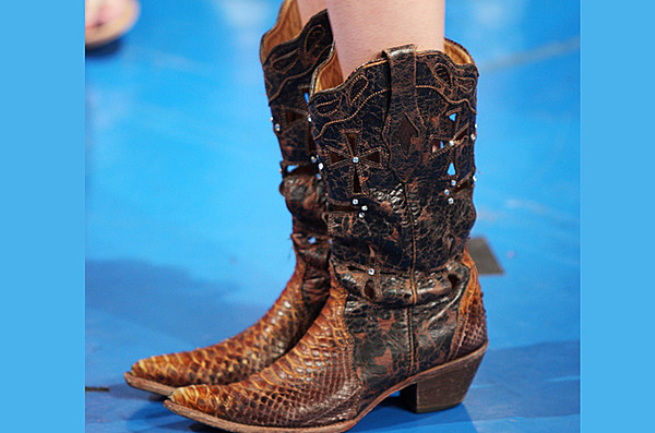 Taylor Swift S Spectacular Cowboy Boots And High Heels