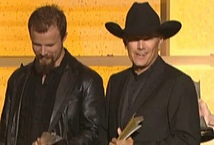 Jamey Johnson and George Strait at the 2007 ACMA awards