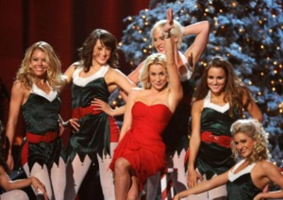 """Kellie Pickler Sings White Christmas On """"A Michael Buble\' Christmas ..."""