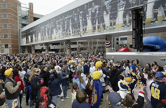 Buffalo Sabres Party in the Plaza