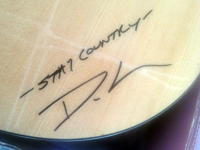 Dustin Lynch Autograph