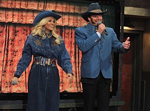 "Robert Pattinson & Carrie Underwood Visit ""Late Night With Jimmy Fallon"""