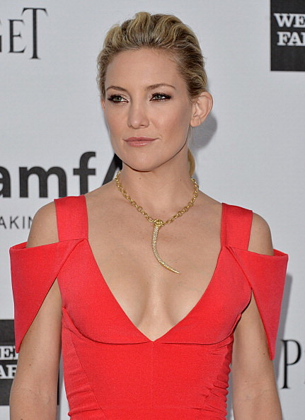 Kate Hudson wins for Best Cleavage (Getty Images)