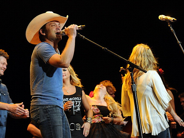 Justin Moore singing