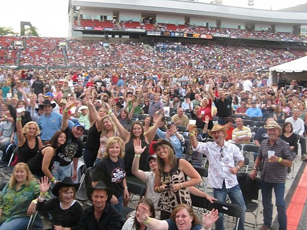 fans in the stands at the Taste of Country 2009