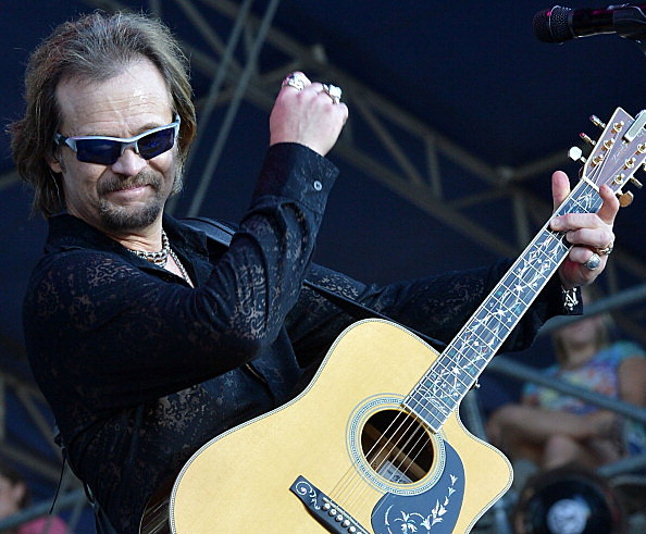 Travis Tritt will perform tonight (Getty Images)