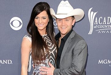 Justin Moore with Wife Kate Moore