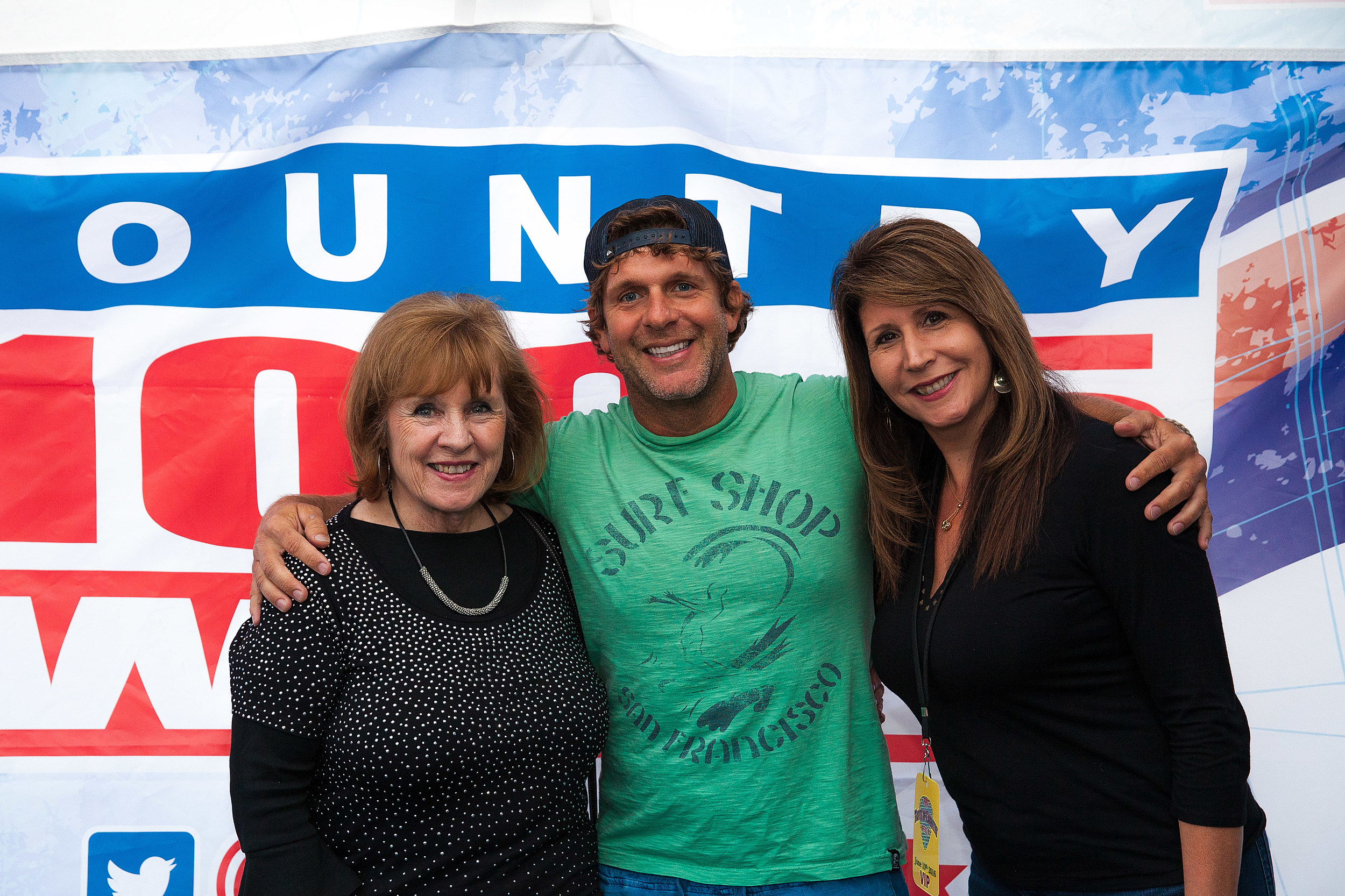 Billy currington hangs with buffalo fans backstage kristyandbryce Images