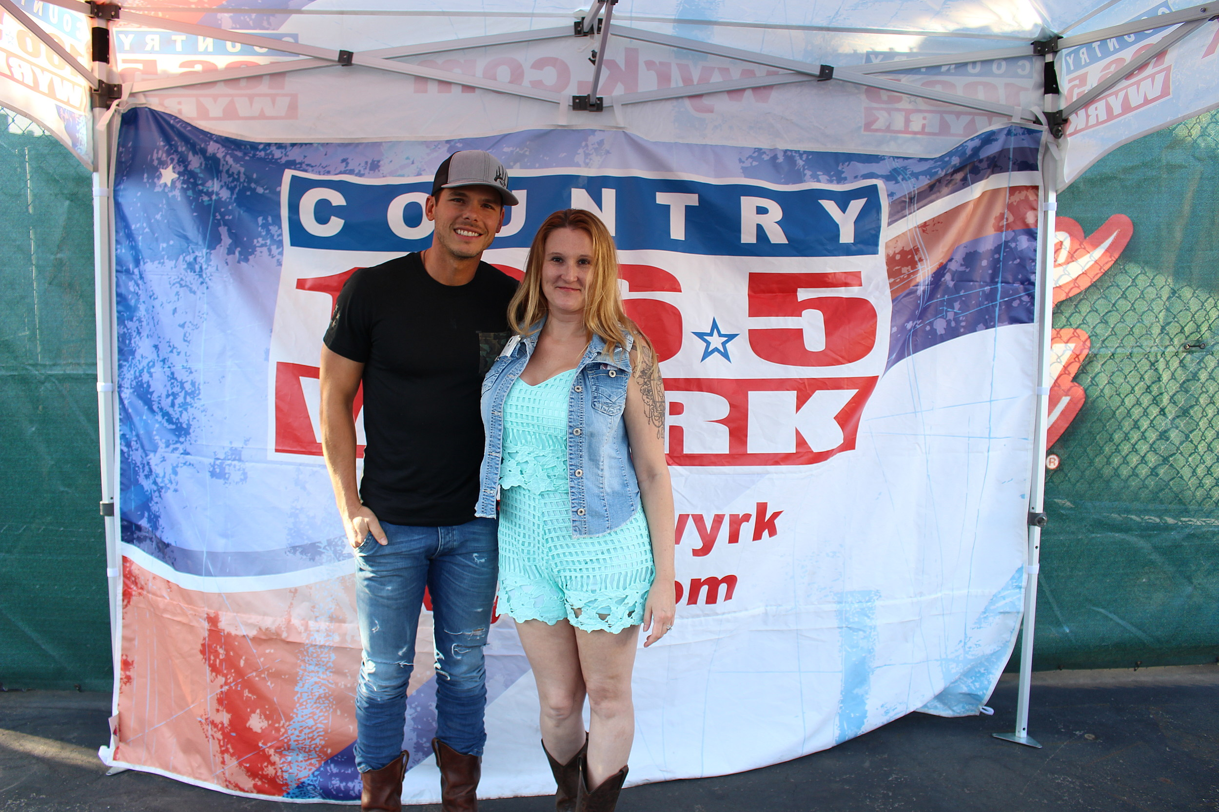Granger smith taste of country buffalo 2016 meet and greet photos kristyandbryce Images