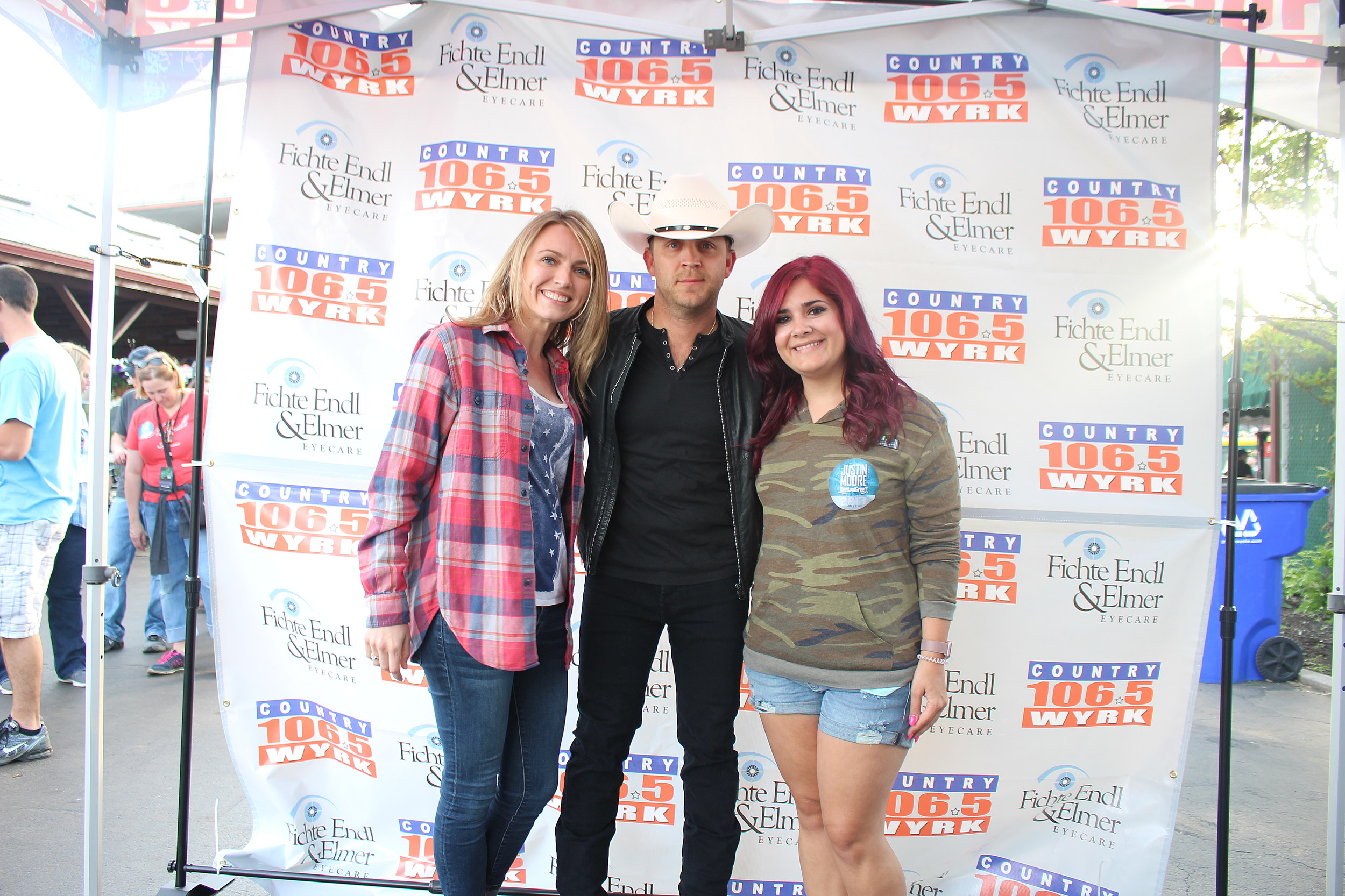 Justin Moore Meet And Greet Photos